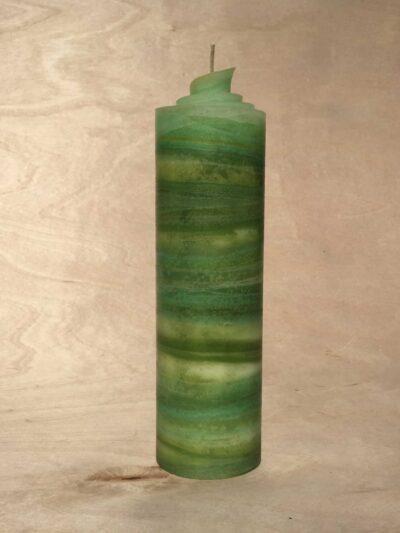 handgemachte hellgrüne gerollte Streifen Kerze